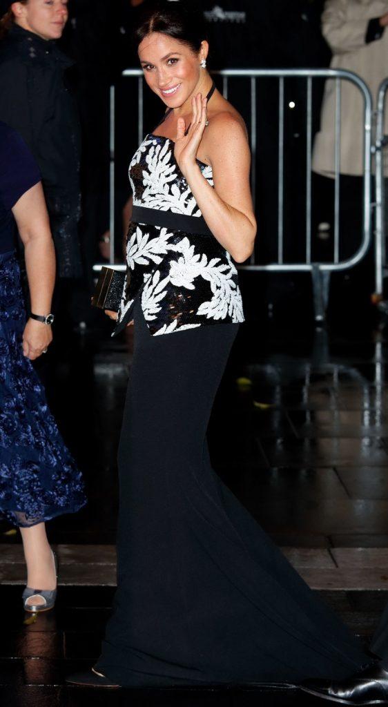 Meghan Markle en Safiyaa au Royal Variety Performance Gala Crédit photo : Getty Images